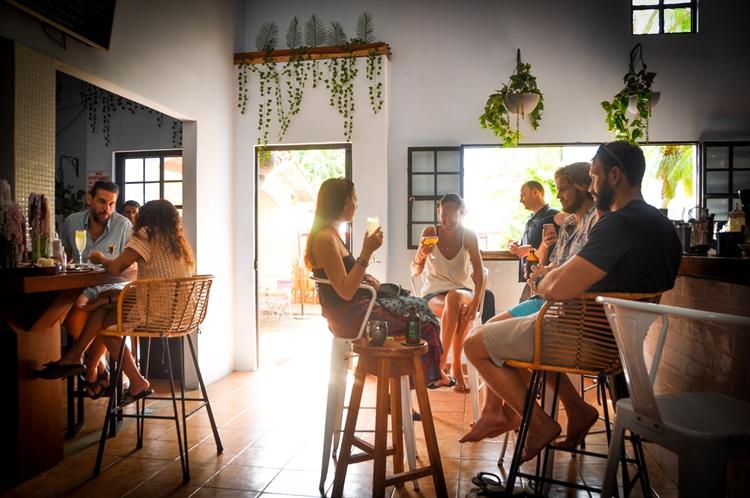 popular cocktail bar playas - 9