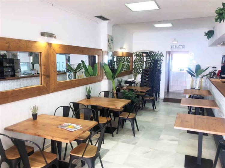 frontline fantastic restaurant benalmadena - 6
