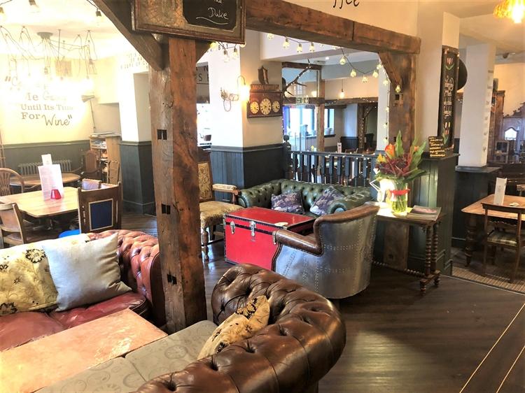 thriving town centre pub - 6