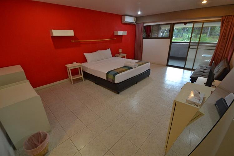 hotel facing surin beach - 9