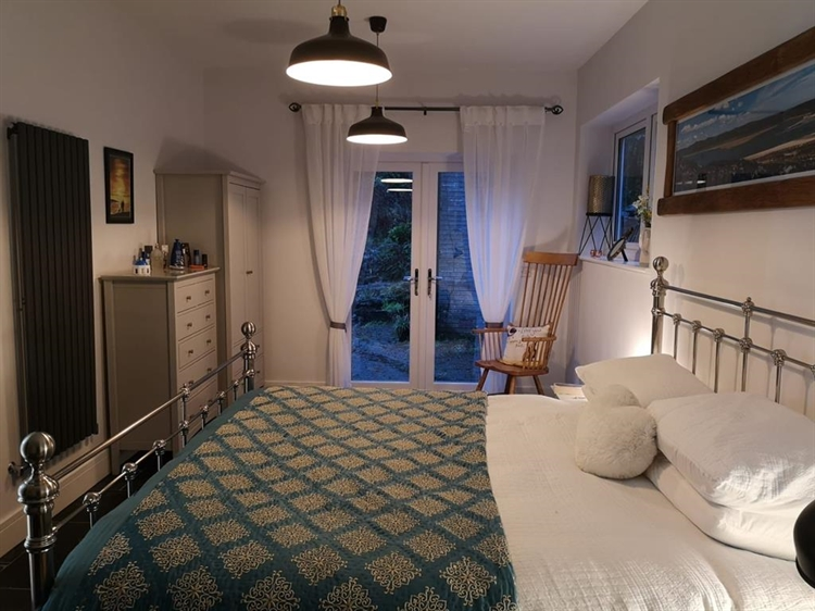 four bedroom guest house - 4
