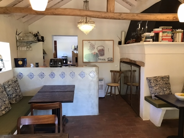 eco-lodge 8 km from - 13