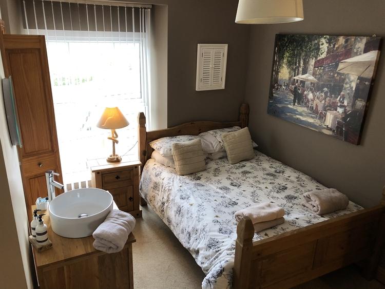 five bedroom guesthouse near - 5