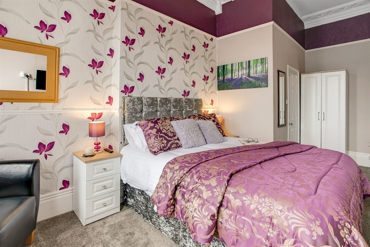 refurbished guest house tremendous - 6