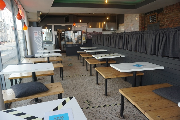 promenade burger bar café - 4