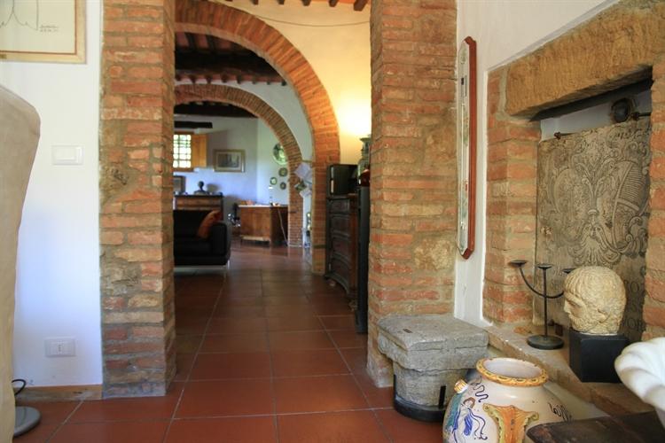 farm with vineyard montepulciano - 13