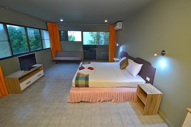 hotel facing surin beach - 7