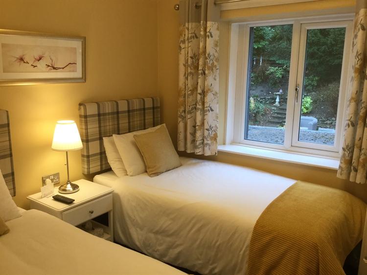 award winning 6 bedroom - 9