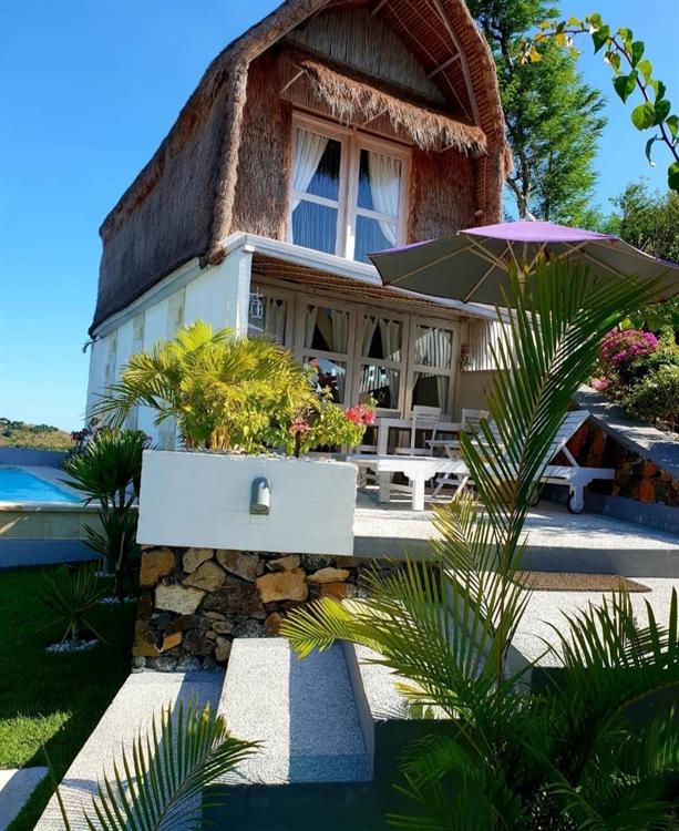 5 villas close white - 4