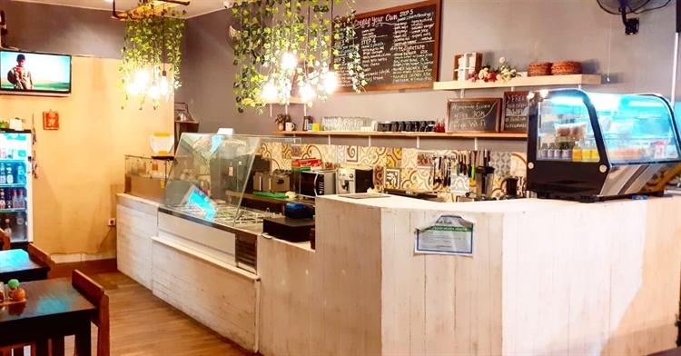 well located restaurant uluwatu - 2