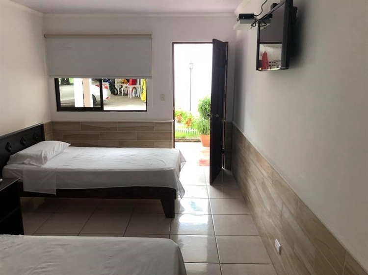 hotel bar puerto caldera - 11