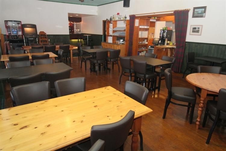 exceptional restaurant bar on - 5