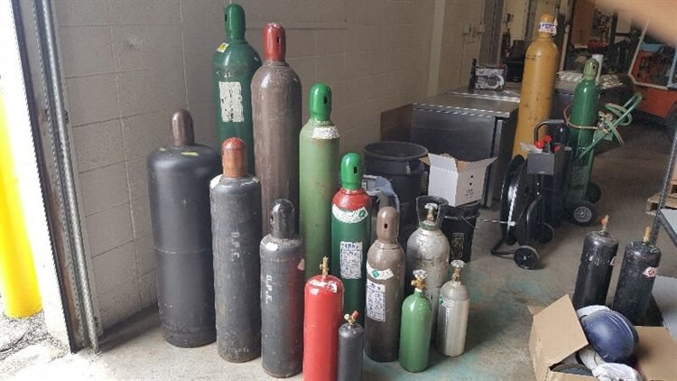 established welding industrial gases - 12