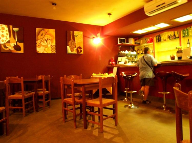 established hostel bar restaurant - 13
