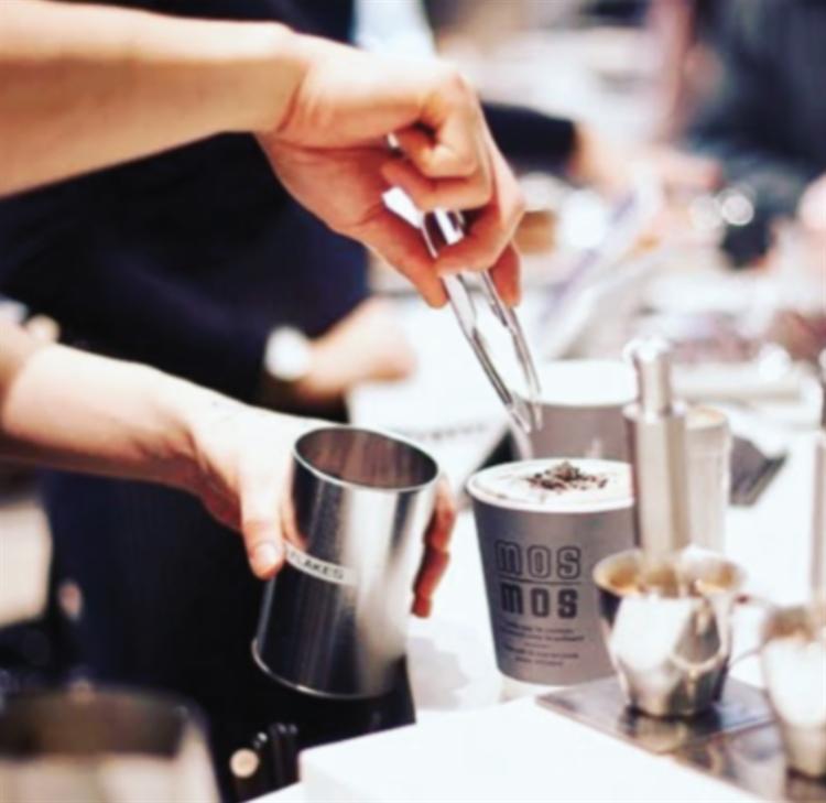 mos mos coffee café - 4
