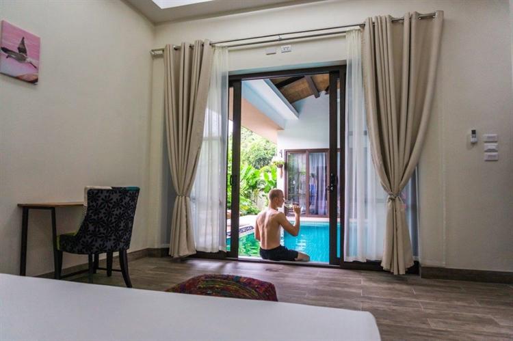 luxury airbnb villa el - 13
