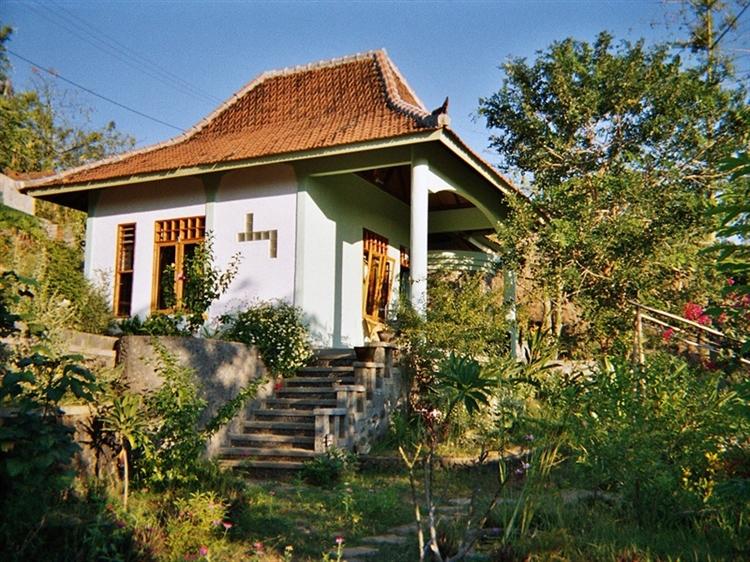 lush green bungalow resort - 9