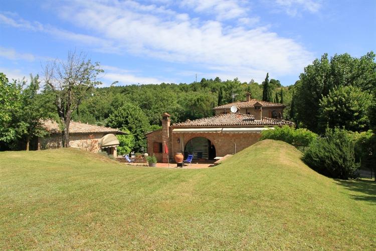 farm with vineyard montepulciano - 7