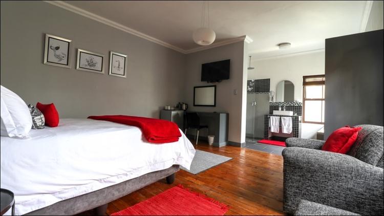 sixteen bedroom guest house - 6
