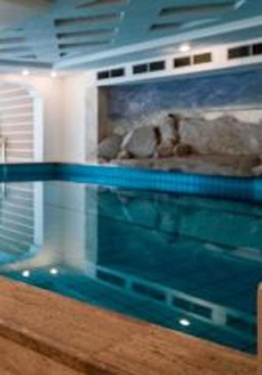 unique commercial pool company - 5