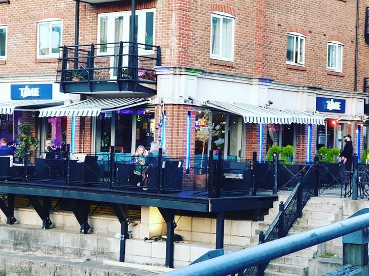 riverside bistro bar brentford - 8