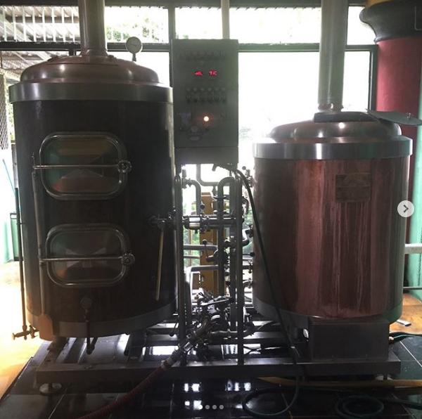 hotel brewery near lake - 10