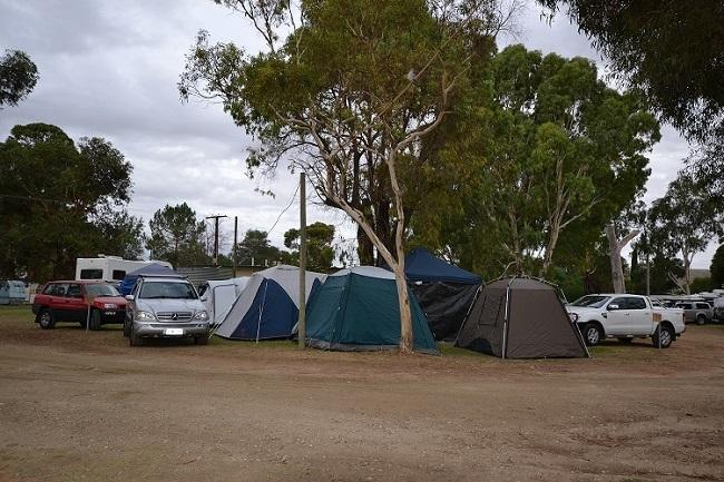 rivers edge caravan park - 4