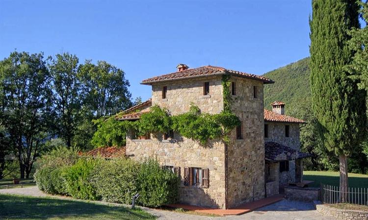 typical tuscan estate arezzo - 14