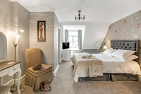 refurbished guest house tremendous - 2