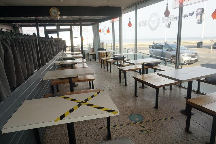 promenade burger bar café - 6