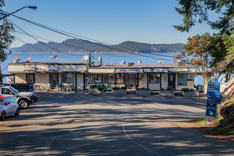 established waterfront pub saturna - 9