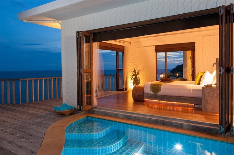 luxury pool villas business - 11