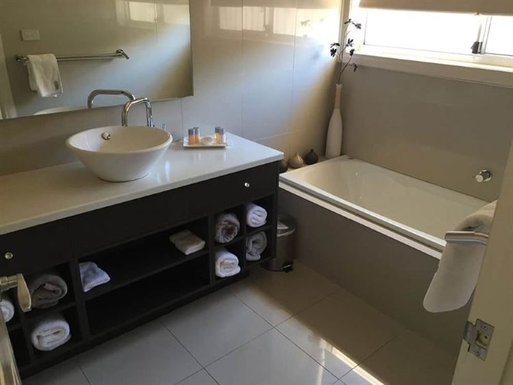 high-end serviced apartments operation - 4