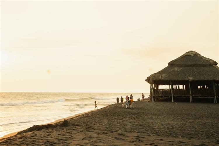 beachside hotel guatemala - 6