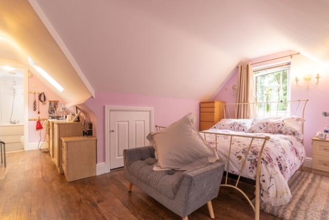 freehold ten bedroom guest - 13