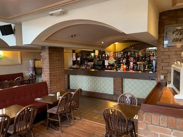 public bar separate restaurant - 7