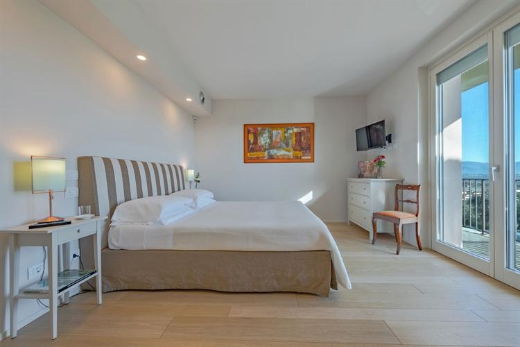 modern luxury villa tuscany - 10