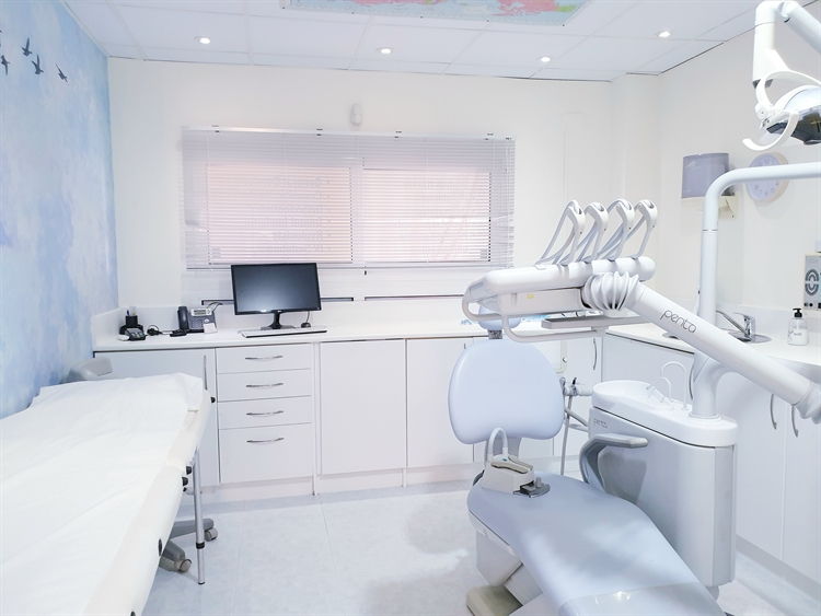 long established dental clinic - 7