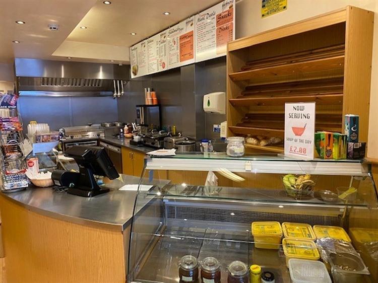 sandwich bar takeaway located - 4