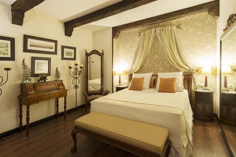licensed luxury hotel for - 7