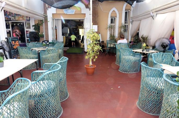 fuengirola harbour side cafe - 13
