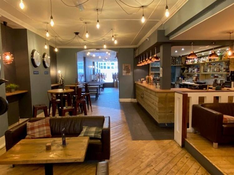 leasehold bar restaurant located - 4