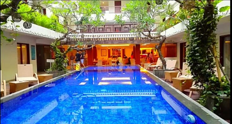 large hotel seminyak - 5