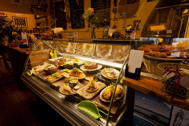 cafe wood-fire bakery communal - 5