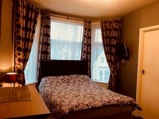 bedroom licensed hotel blackpool - 5