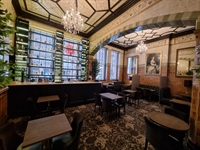 well established bar restaurant - 3