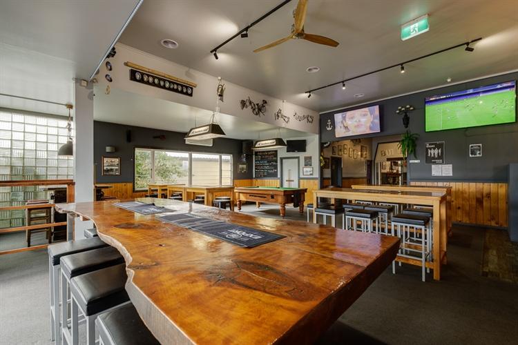 butlers reef bar restaurant - 4