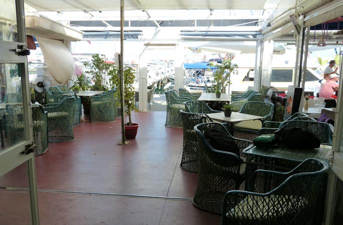 fuengirola harbour side cafe - 10