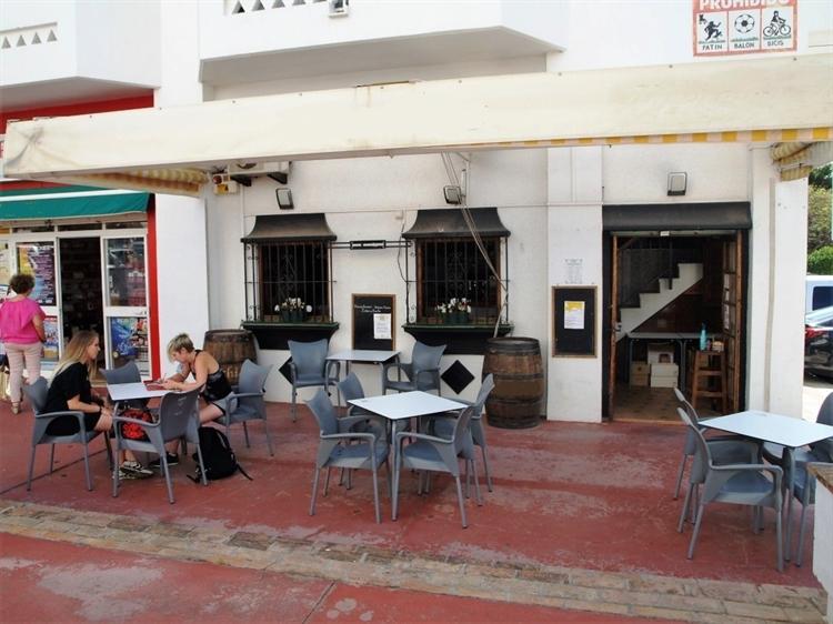 cosy quaint cafe bar - 11