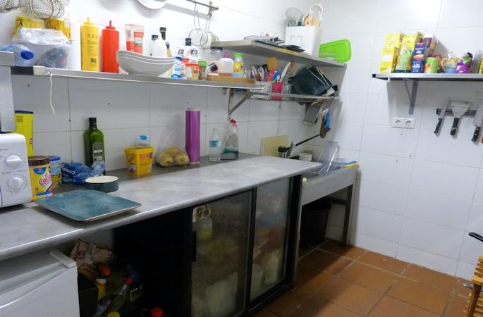 fuengirola harbour side cafe - 8